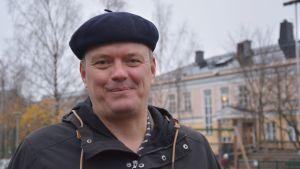 rektor Bernt Klockars i basker.