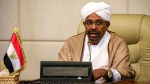 President al-Bashir svor in en ny regering den 14 mars för att ta itu med den ekonomiska krisen i landet.