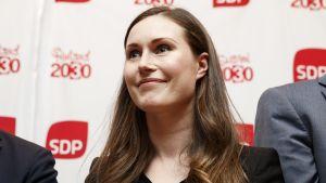 Sanna Marin efter SDP:s presskonferens 4.6.2019.