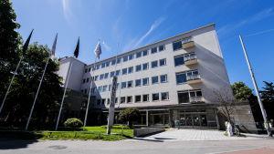 Kuvassa on Hankerin rakennus Helsingissä heinäkuussa 2020.