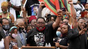 Jacob Blakes far, Jacob Blake Sr., talar vid stordemonstrationen mot polisvåld i Washington DC den 28 augusti 2020.