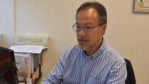 Socialarbetaren Fernando Cheung fungerade som parlamentsledamot i åtta år innan han avgick. Han är synnerligen populär i synnerhet bland lågavlönade Hongkongbor.