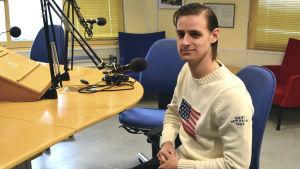 Gustav Erlandsson från Sverige ska spela för PSS herrar.