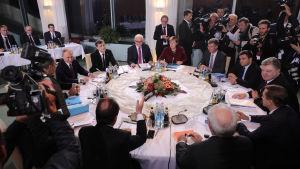 Statsledare samlas i Berlin för att diskutera läget i Ukraina.