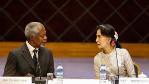 Kofi annan och aung san suu kyi