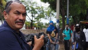Miguel Alvarez har en lång karriär som fotograf bakom sig men aldrig tidigare har han upplevt en så hotad pressfrihet.