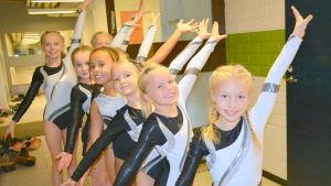 Glada gymnaster från Närpes Gymnastikklubb Artistica.
