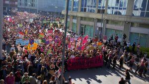 Motdemonstrationen fyllde Veronas centrum till bredden under lördagseftermiddagen. Samtidigt som Matteo Salvini, inrikesministern, höll tal på konferensen.