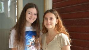Unga Tjeckiska Adela Lyachová och Marie Brousilová.