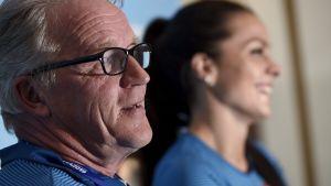 Maria Huntington och tränaren Matti Liimatainen inför VM 2019.