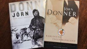 Två av Jörn Donners verk om historiska personer och släktingar.