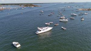 båtar och hav
