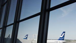Finnairs flygplan på Helsingfors-Vanda flygplats