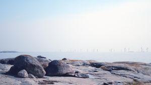 Montage av vindkraftsparken sett från Själön