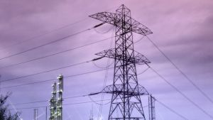 Kraftledningar vid kraftverk