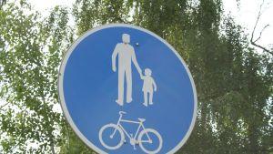 Gång- och cykelväg
