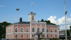 Lovisa rådhus och torg