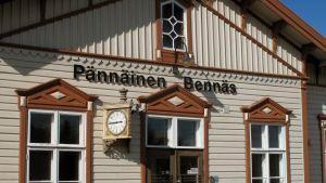 Stationen i Bennäs.