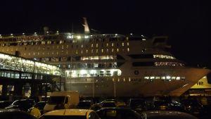 Silja Europa tillbaks i Åbo