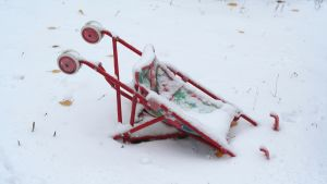 Barnvagn i snön