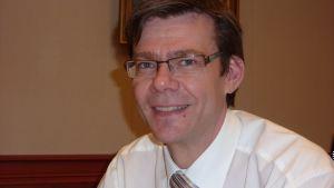 Vd Tom Westermark, Harry Schaumans stiftelse, som är en av stiftelserna som äger Academill.