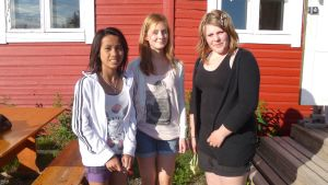 Ungdomarna är själva med och planerar vad de vill göra i sommar. Från vänster: Nida Lundberg, Emelie Stark och Frida Ekholm.
