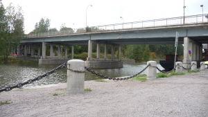 Mannerheimgatans bro över Borgå å.