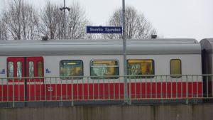 Y-tåget vid Sjundeå station.