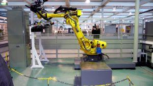 Wärtsilä har lånat ut en industrirobot till forskningscentret Technobotnia.