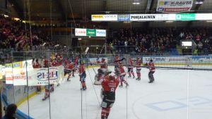 Sport tackar fansen på Apberget.