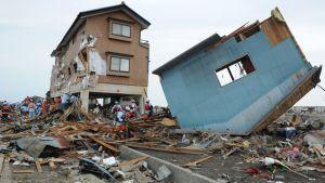 Räddningsarbetare i Natori