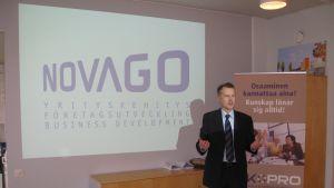 Carl-Johan Sandström är vd för Novago företagsutveckling, som verkar i Västnyland.