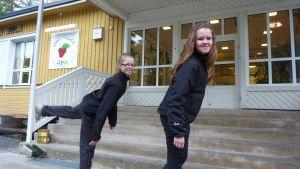 Alina Bergvik och Melanie Mikander.