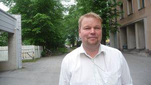 Mikael Gädda är ordförande i ordförande i utbildningsnämnden i Korsholm.