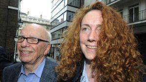 Rebekah Brooks och Rupert Murdoch i London 10 juli 2011.