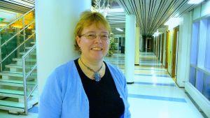 Siv Björklund, professor i svenskt språkbad på Vasa universitet.