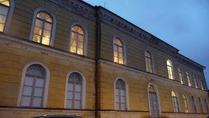södra fasaden av borgå gymnasium