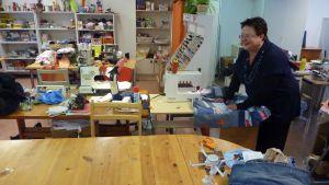 Hanna Manner är verksamhetsledare för arbetsverkstaden för kvinnor, Naisten Paja.