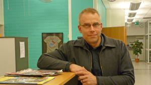 Max Holm, Informatör vid Rädda Barnen