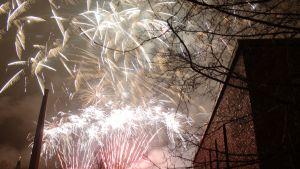 nyårsraketer på himmlen