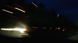 trafik i mörkret