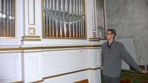 Mikael Granlund väntar på att orgeln i Korpo kyrka ska renoveras