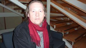 Regissör Bobo Lundén.