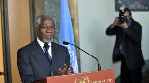 Kofi Annan lade fram sin fredsplan den 16 mars