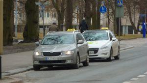 Taxibilar i centrum av Vasa