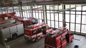 brandbilar och ambulanser i borgå brandkår