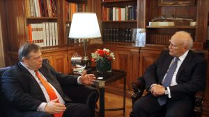 Evangelos Venizelos och Greklands president Karolos Papoulias
