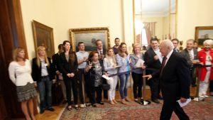 President Karolos Papoulias mötte partiledarna