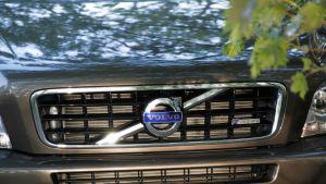 Grillen på en Volvo.