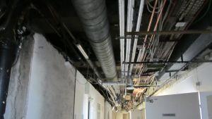Bland annat gas - och elnät förnyas som bäst vid U-sjukhuset.